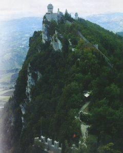 Сан-Марино:карлик на горе (продолж.)